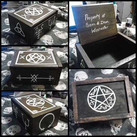 Diy-Curse-Box