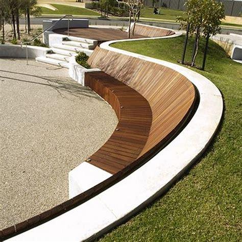 Diy-Curved-Front-Park-Bench