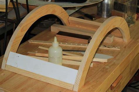 Diy-Curved-Newborn-Bench