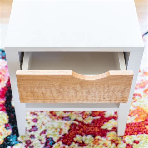 Diy-Curved-Nightstand