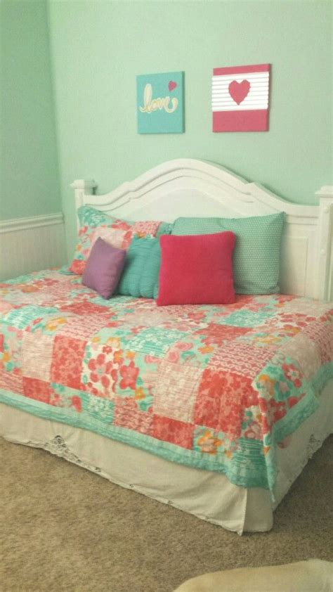 Diy-Daybed-Headboard