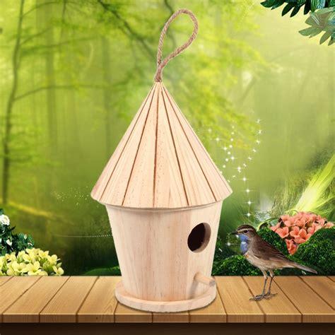 Diy-Decorate-Mini-Christmas-Birdhouse