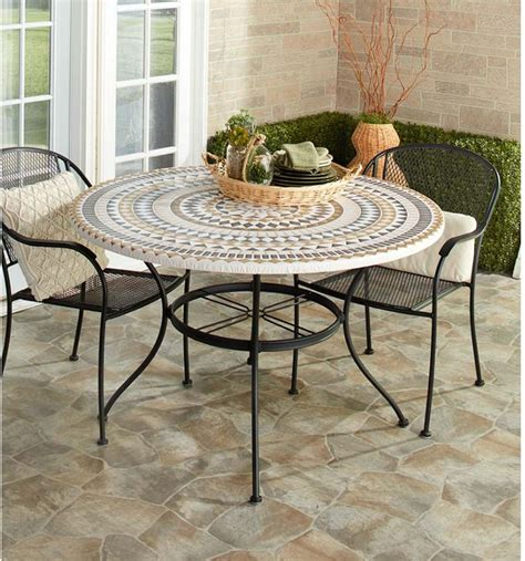 Diy-Diamond-Table-Cover-For-Round-Table