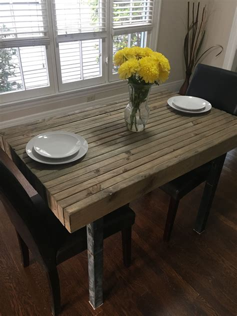 Diy-Dining-Table-Stain