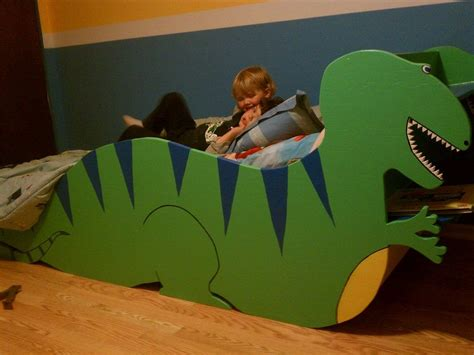 Diy-Dinosaur-Bed-Frame
