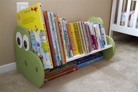 Diy-Dinosaur-Bookshelf