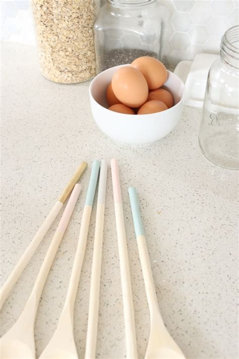 Diy-Dip-Dye-Wooden-Spoons