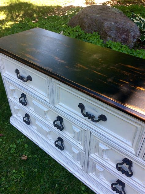 Diy-Distressed-Furniture-White