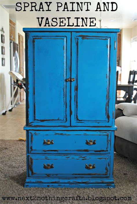 Diy-Distressed-Furniture-With-Spray-Paint