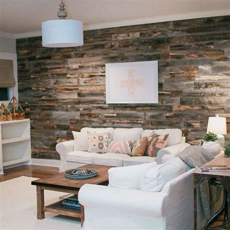 Diy-Distressed-Wood-Accent-Wall