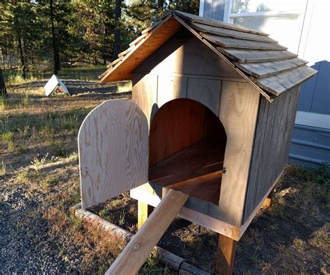 Diy-Dog-House-For-Chicken