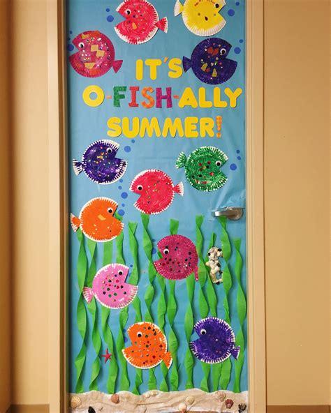 Diy-Door-Decorations-Summer