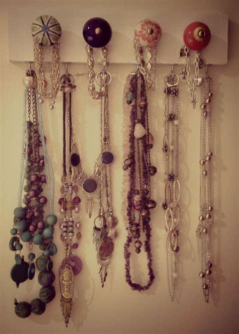 Diy-Door-Knob-Jewelry-Holder