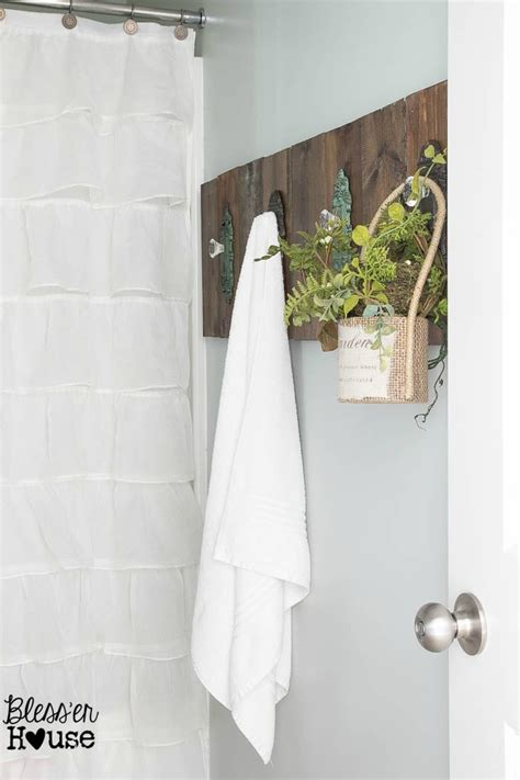 Diy-Door-Knob-Towel-Rack
