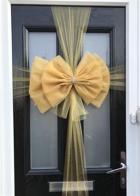 Diy-Door-Ornaments-Christmas-Bow