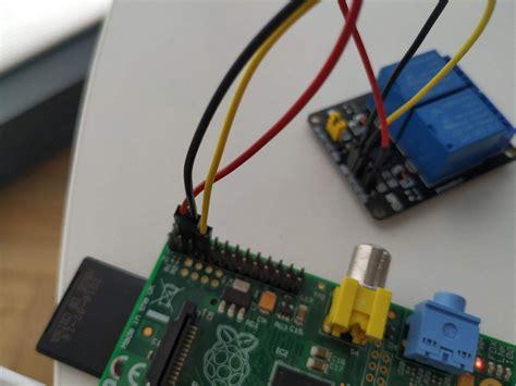 Diy-Door-Sensor-Raspberry-Pi