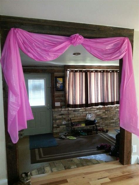 Diy-Doorway-Table-Cloth-Party-Decor