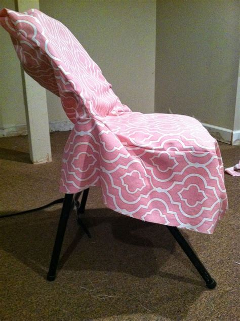 Diy-Dorm-Chair-Slipcover