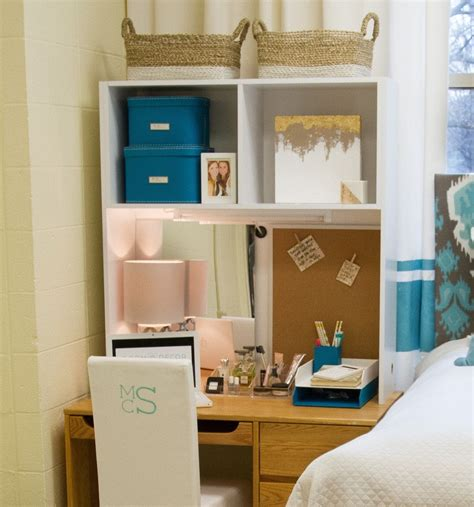 Diy-Dorm-Desk-Cubby