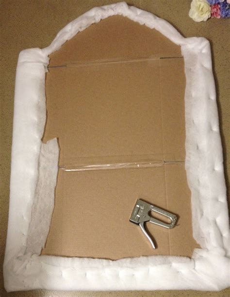 Diy-Dorm-Headboard-Tutorial