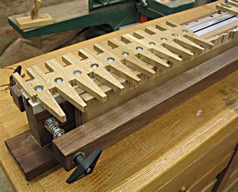 Diy-Dovetail-Jig-For-Router-Table