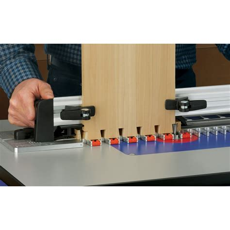 Diy-Dovetail-Jig-Router-Table