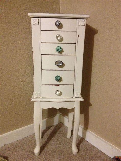 Diy-Dresser-Into-Jewelry-Box