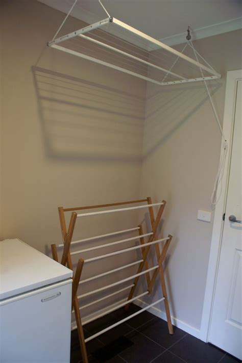 Diy-Drying-Rack-For-Laundry-Room