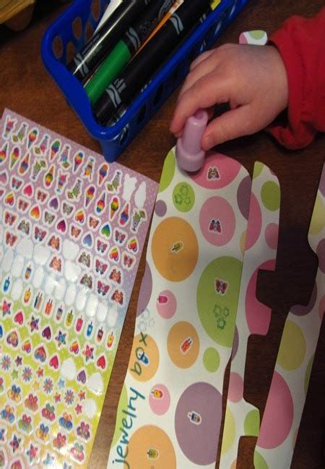 Diy-Egg-Carton-Jewelry-Box