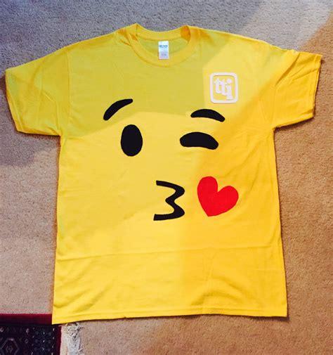 Diy-Emoji-Shirt