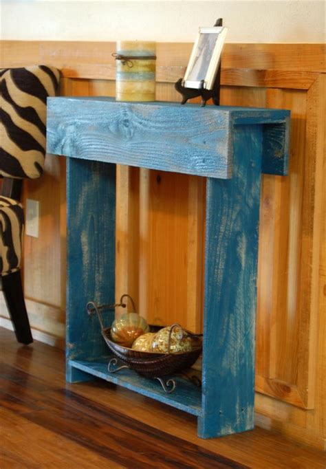 Diy-Entry-Table-Made-From-Pallets