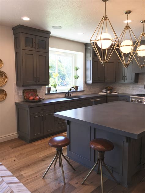 Diy-Extend-Cabinet-To-The-Ceiling