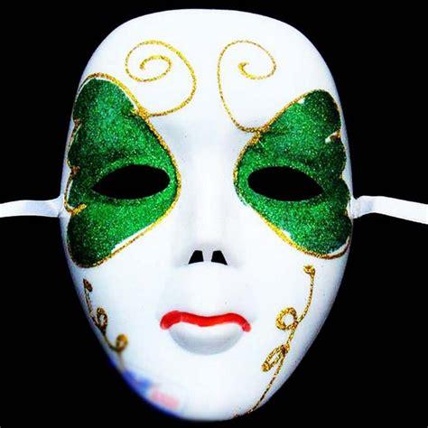 Diy-Face-Mask-Costume