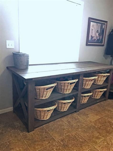 Diy-Farmhouse-Laundy-Foling-Table