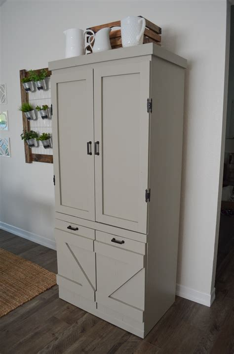 Diy-Farmhouse-Pantry-Cabinet