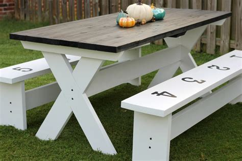 Diy-Farmhouse-Picnic-Table-Plans
