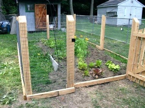Diy-Fence-Panel-Chicken-Coop