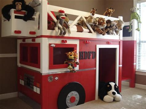 Diy-Fire-Truck-Loft-Bed