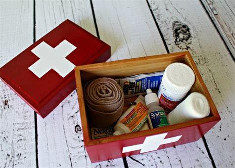 Diy-First-Aid-Box
