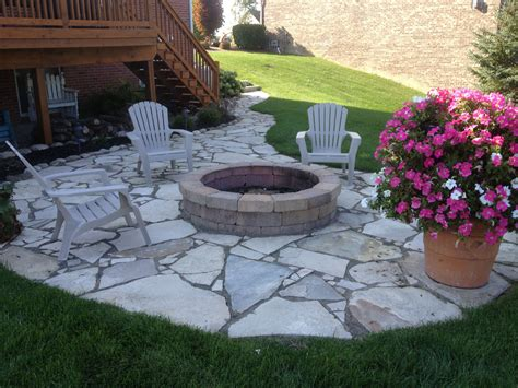 Diy-Flagstone-Patio-With-Firepit