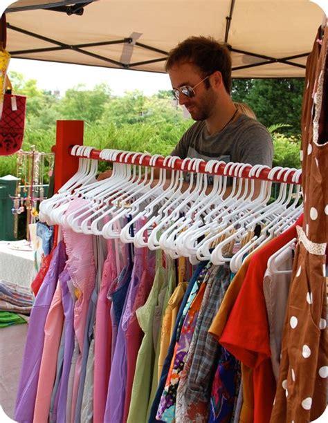 Diy-Flea-Market-Clothes-Rack