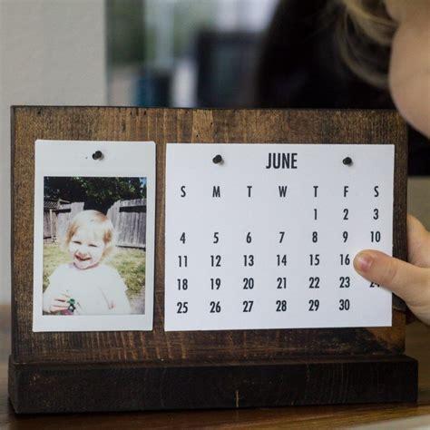 Diy-Flip-Desk-Calendar