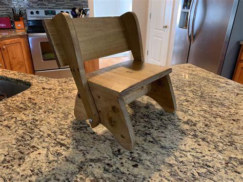 Diy-Flip-Up-Shelf-Chair-Stand