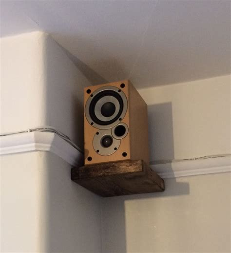 Diy-Floating-Bookshelf-For-Speakers