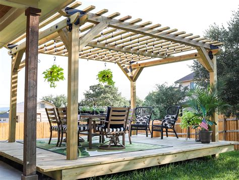 Diy-Floating-Deck-With-Pergola