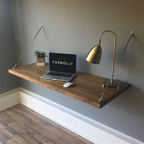 Diy-Floating-Folding-Desk