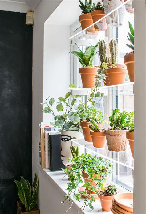 Diy-Floating-Plant-Shelf