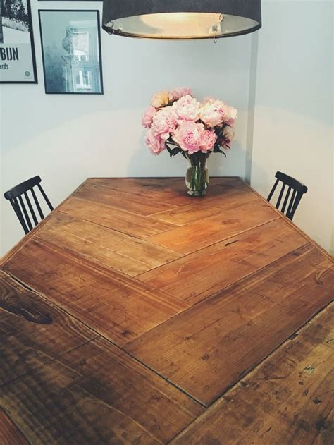 Diy-Floor-Dining-Room-Table