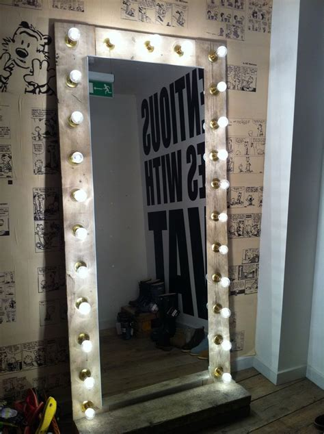 Diy-Floor-Mirror-With-Lights