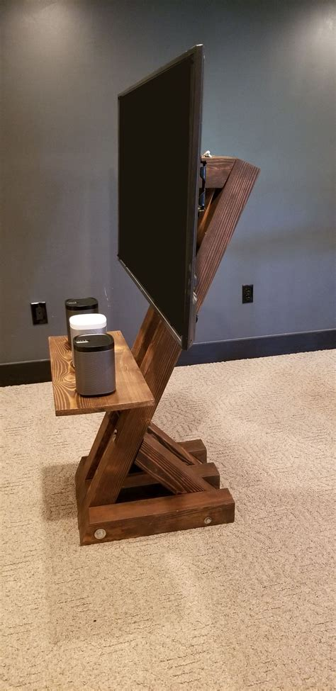 Diy-Floor-Stand-Tv-Mount